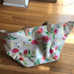 Large waterproof floral Merona tote bag